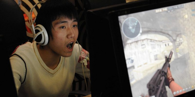 China is barring gamers under 18 from playing video games after 10 p.m., a move meant to curb a growing addiction…