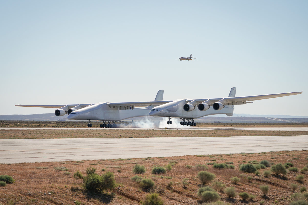 Stratolaunch puts world's biggest airplane into the sky ...