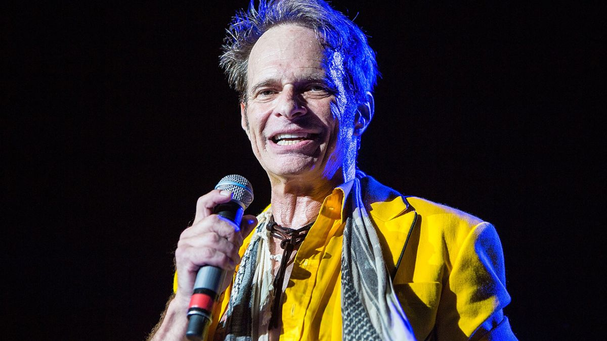 David Lee Roth will support Kiss on the End Of The Road ...