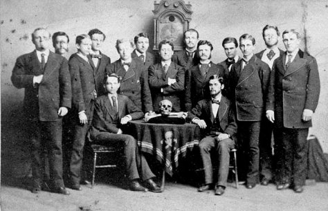 The History Of The Skull & Bones Brotherhood Of Death In 7 ...