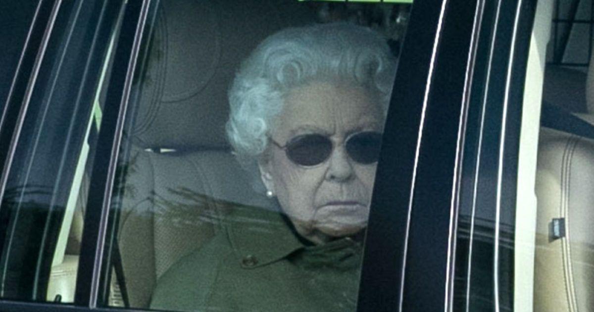 Queen Elizabeth Flees Buckingham Palace as UK Braces for ...