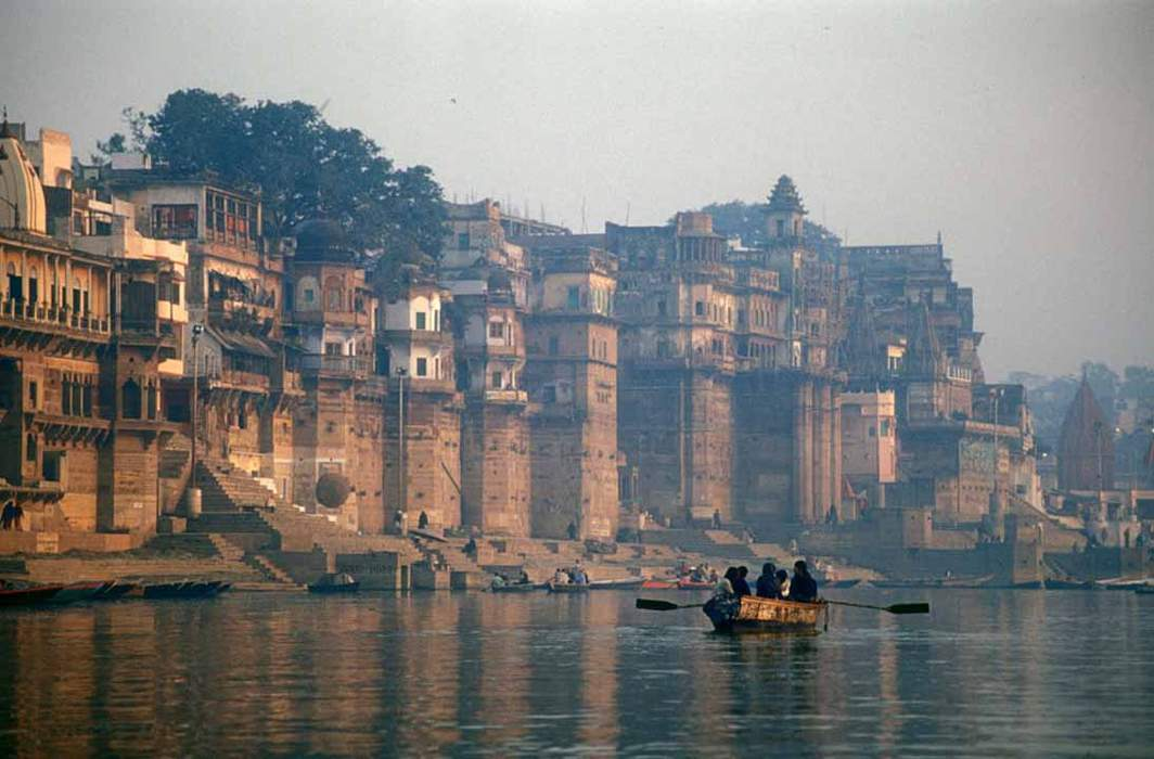 Dead bodies found floating in India's Ganges River - One News Page