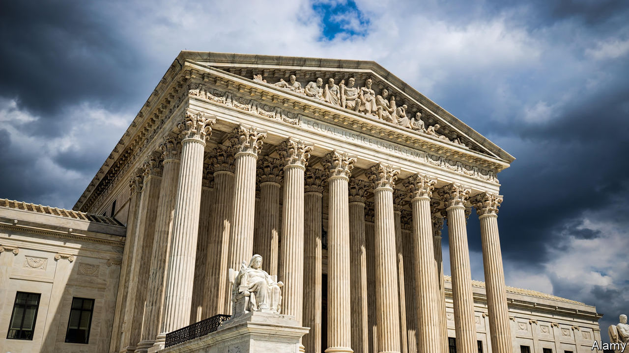 Trump administration asks Supreme Court to allow rule restricting green cards for immigrants on welfare…
