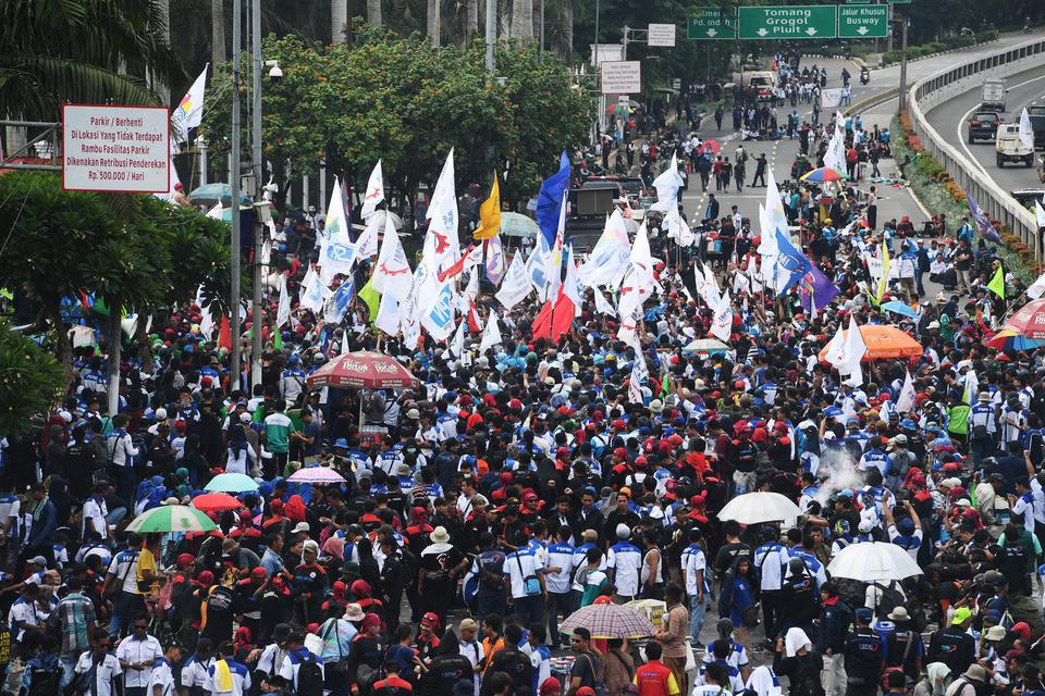Serikat Buruh Sebut Pembahasan Omnibus Law Tak Transparan ...
