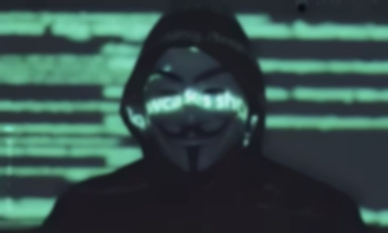 """'Anonymous' Hacks Chicago Police Radios; Play NWA's """"F**k The Police"""" During Riots…"""