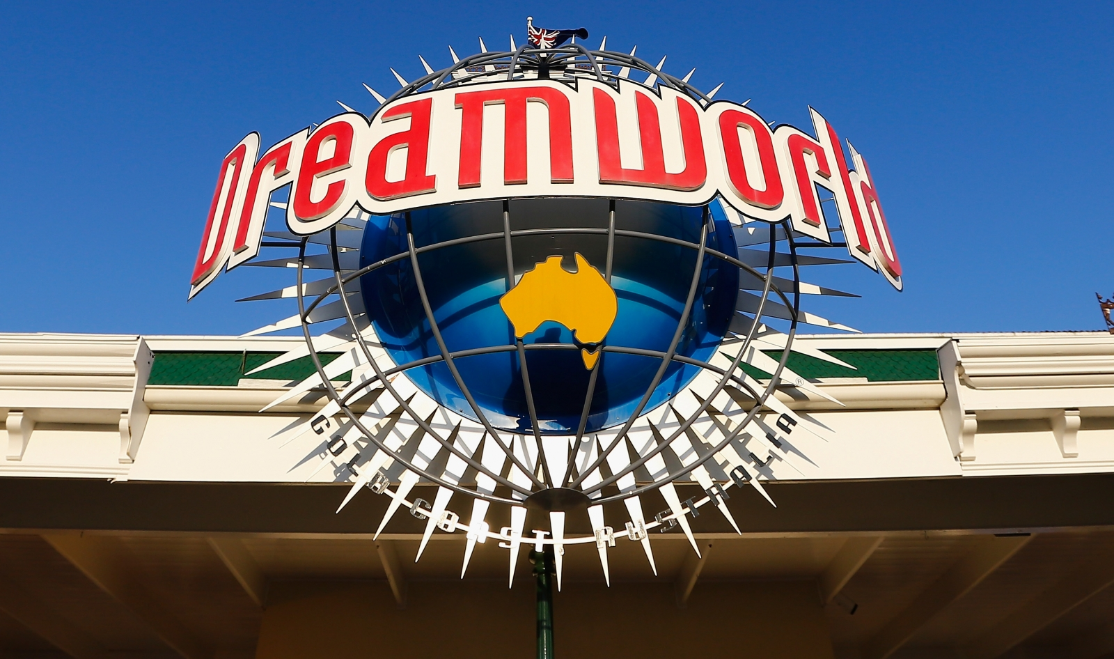 Australia: Dreamworld theme park to demolish Thunder River ...
