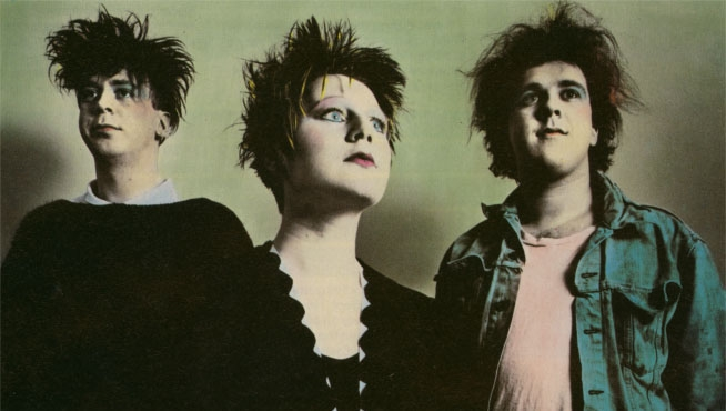 Cocteau Twins play their entire 'Spangle Maker' EP live in ...