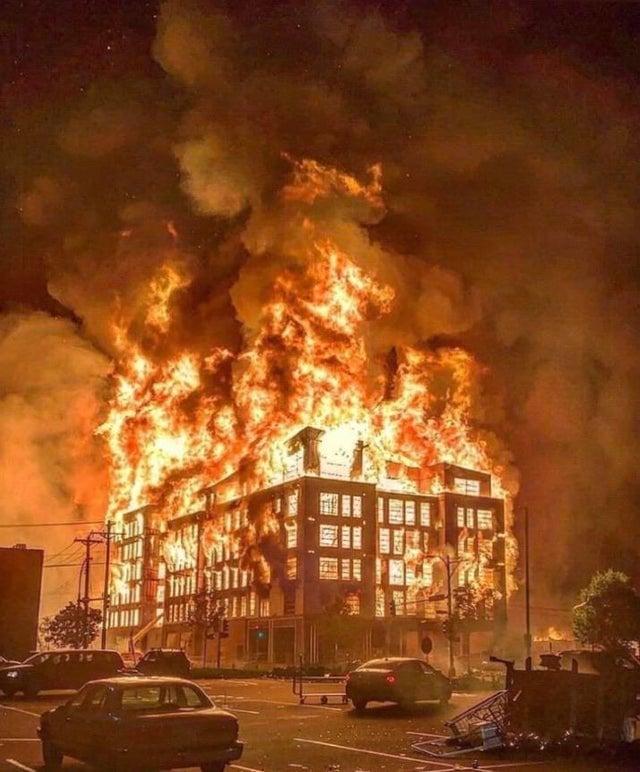 Minneapolis Riot Fire // May 2020 : Minneapolis