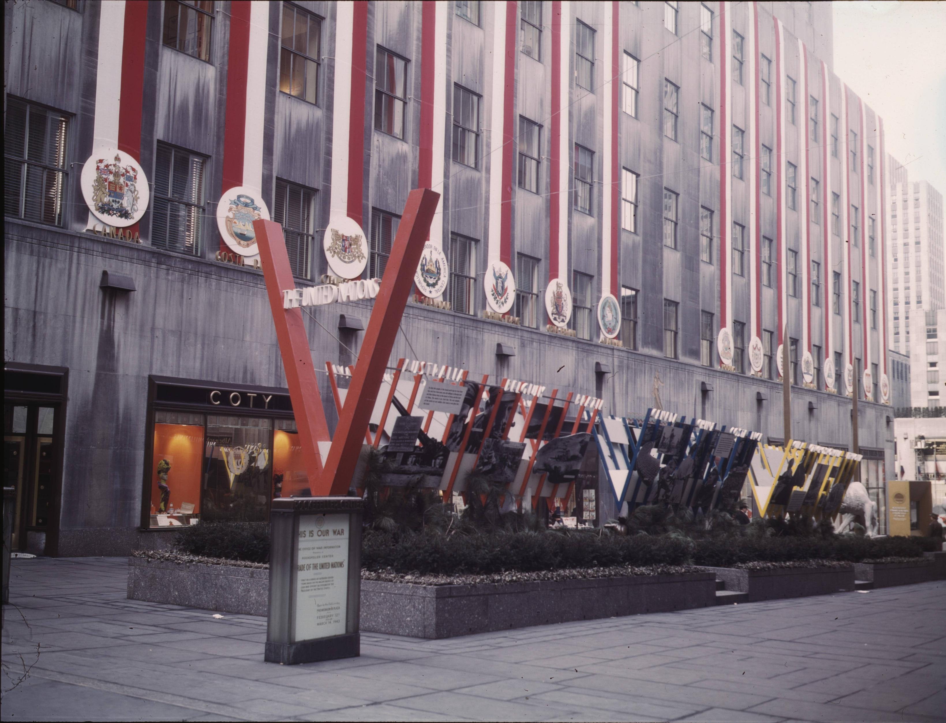 United Nations exhibit at Rockefeller Plaza during WWII ...