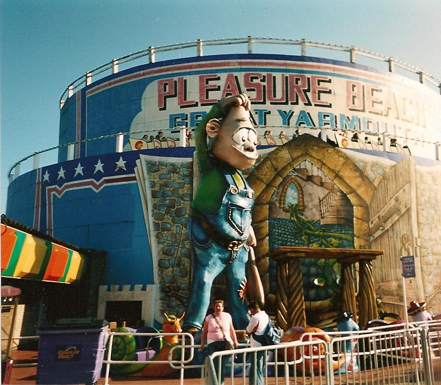 Great Yarmouth Roller Coaster | Bob | Flickr - Photo Sharing!