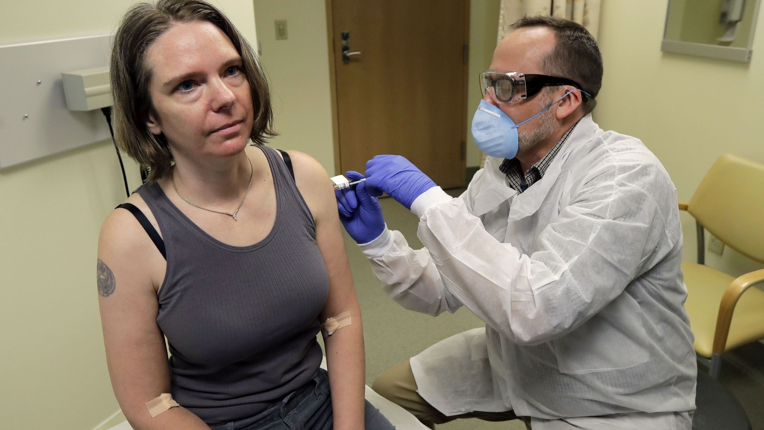 Coronavirus vaccine test opens with 1st doses | FOX40