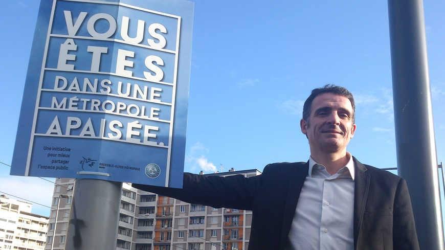 UN JOUR ORDINAIRE DANS LA VILLE APAISÉE... - Grenoble Le ...