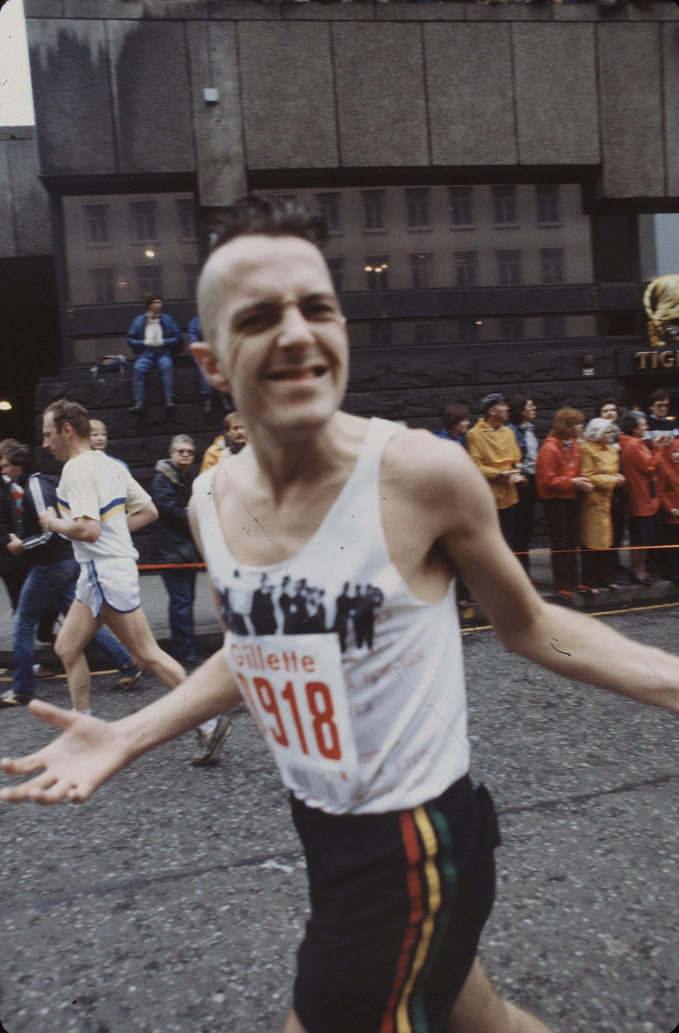 Fotos de Joe Strummer corriendo el Maratón de Londres de 1983