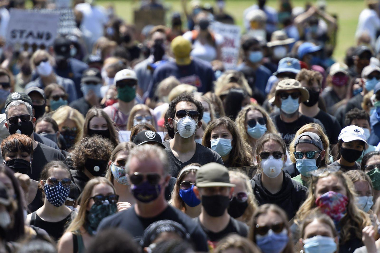 Big Box Stores and Wall Street Urge Face Mask Mandates ...