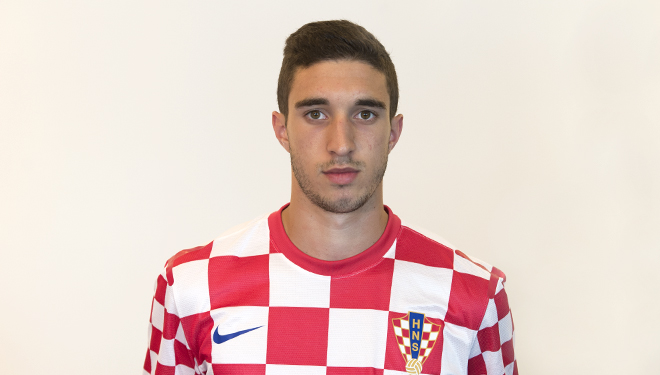 The 26-year old son of father (?) and mother(?) Šime Vrsaljko in 2018 photo. Šime Vrsaljko earned a  million dollar salary - leaving the net worth at 15 million in 2018