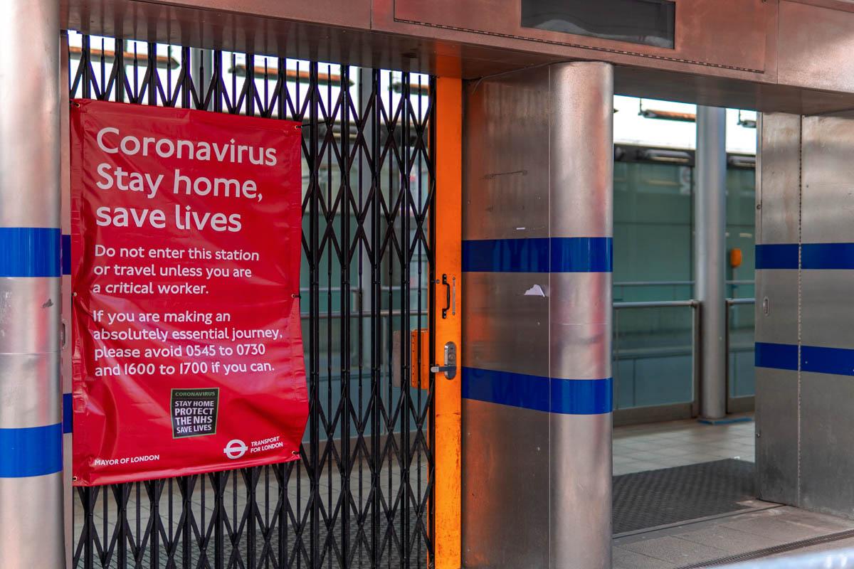 51 Eerie Photos Show London's Deserted Streets During Coronavirus Lockdown - HumanWindow