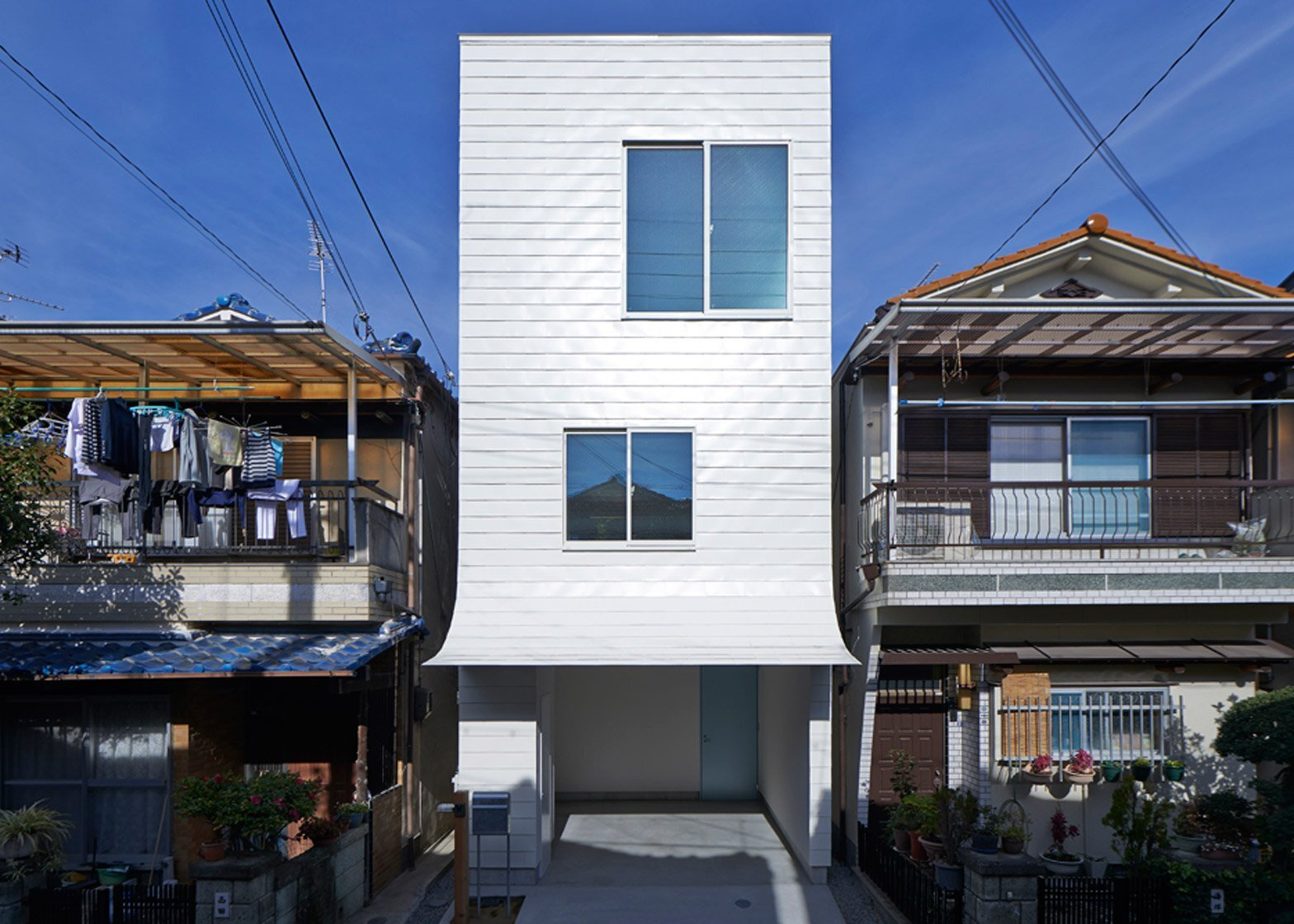 Gandare House - A Narrow Japanese Home by Ninkipen!