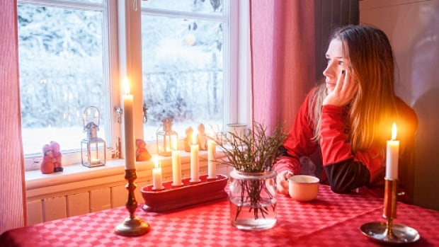 Christmas loneliness and grief 'very, very common', says clinical counsellor | CBC News