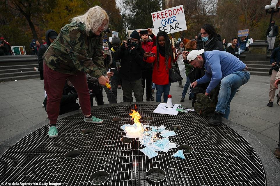 Coronavirus US: Anti-lockdown protestors burn masks in NYC ...