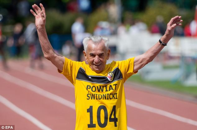 Runner, 104, sets a new European centenarian record after ...