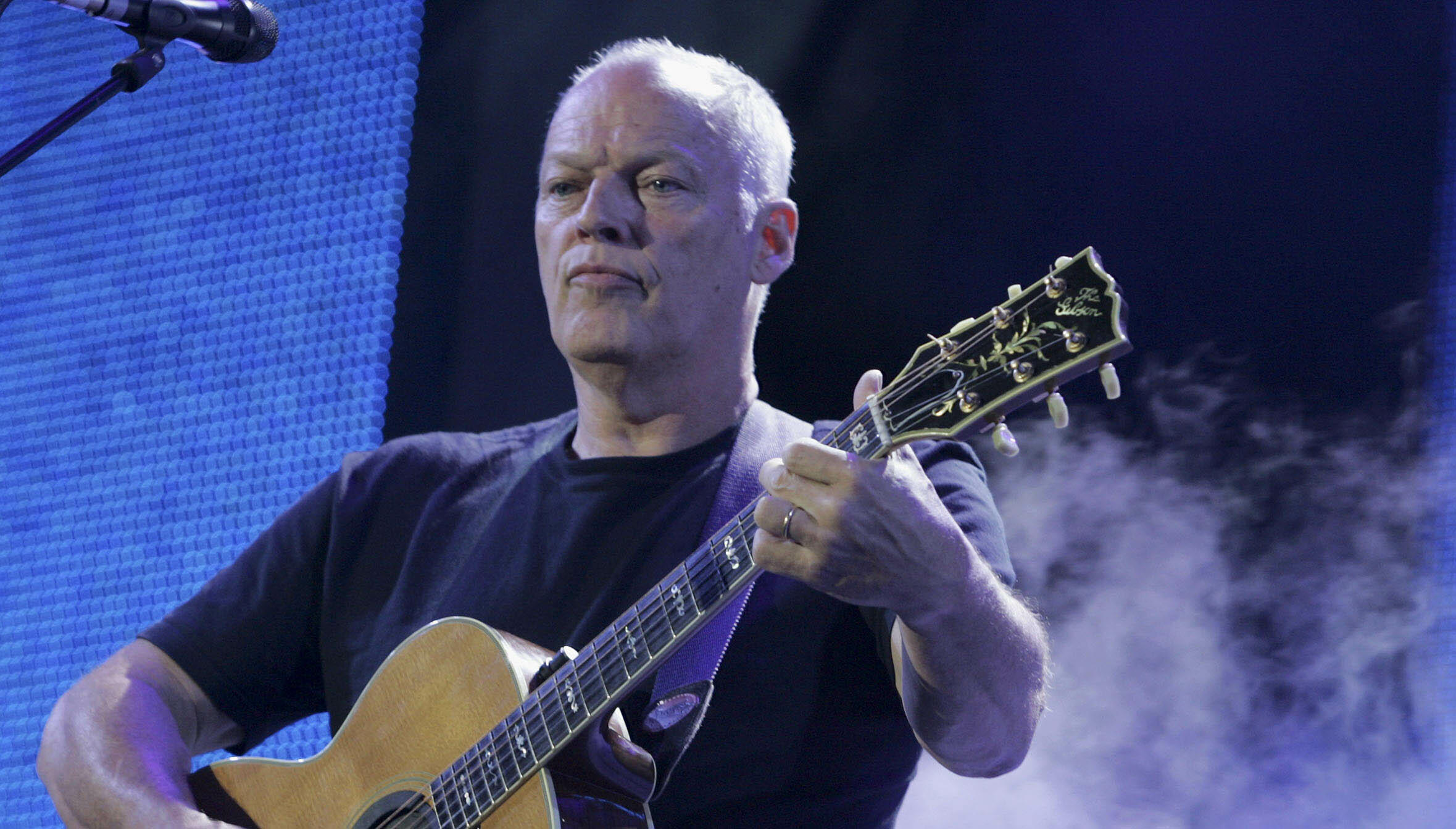 David Gilmour Hopes Guitars Sold At Auction Go To People ...