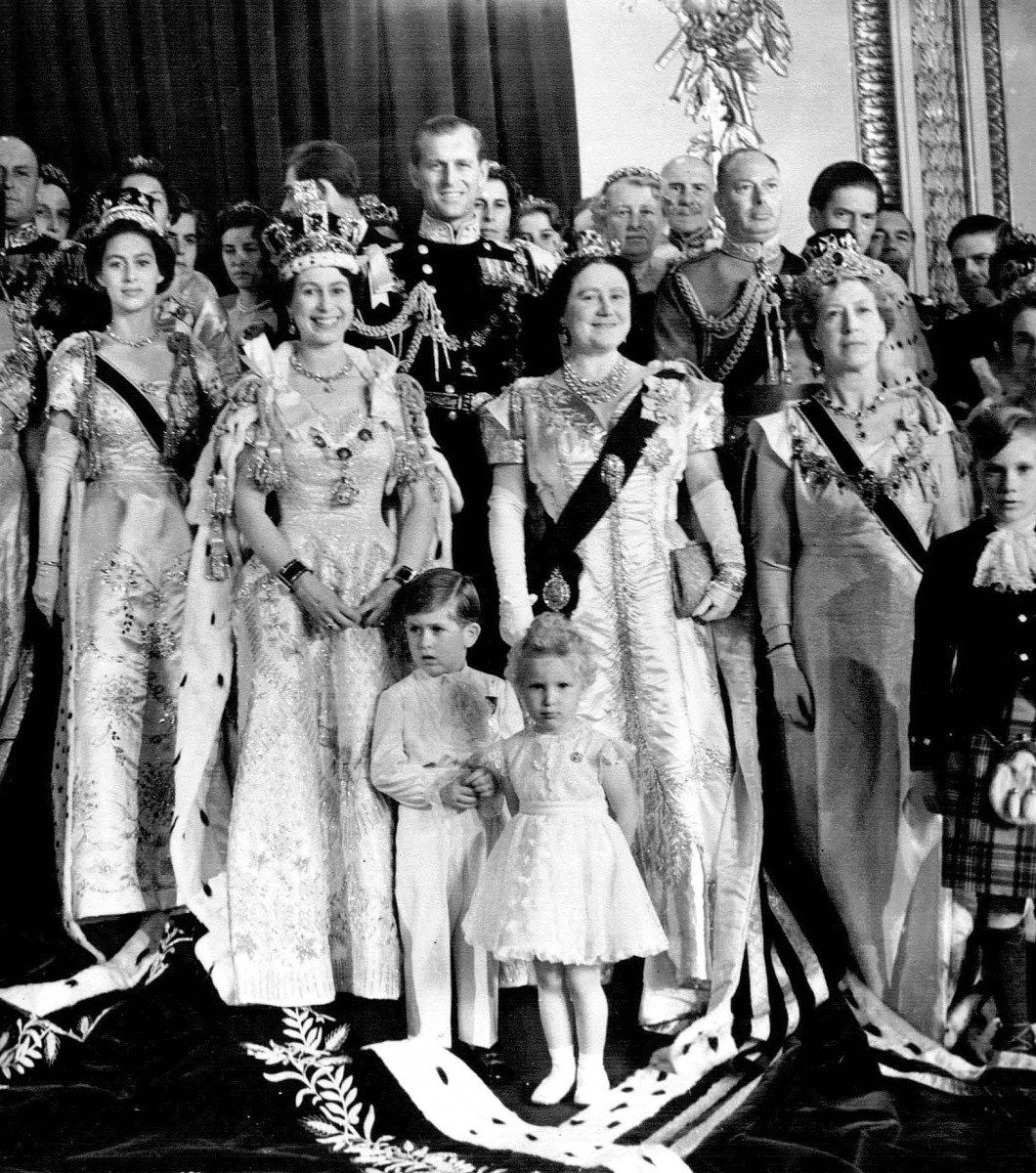An official photo of the newly coronated Queen Elizabeth ...