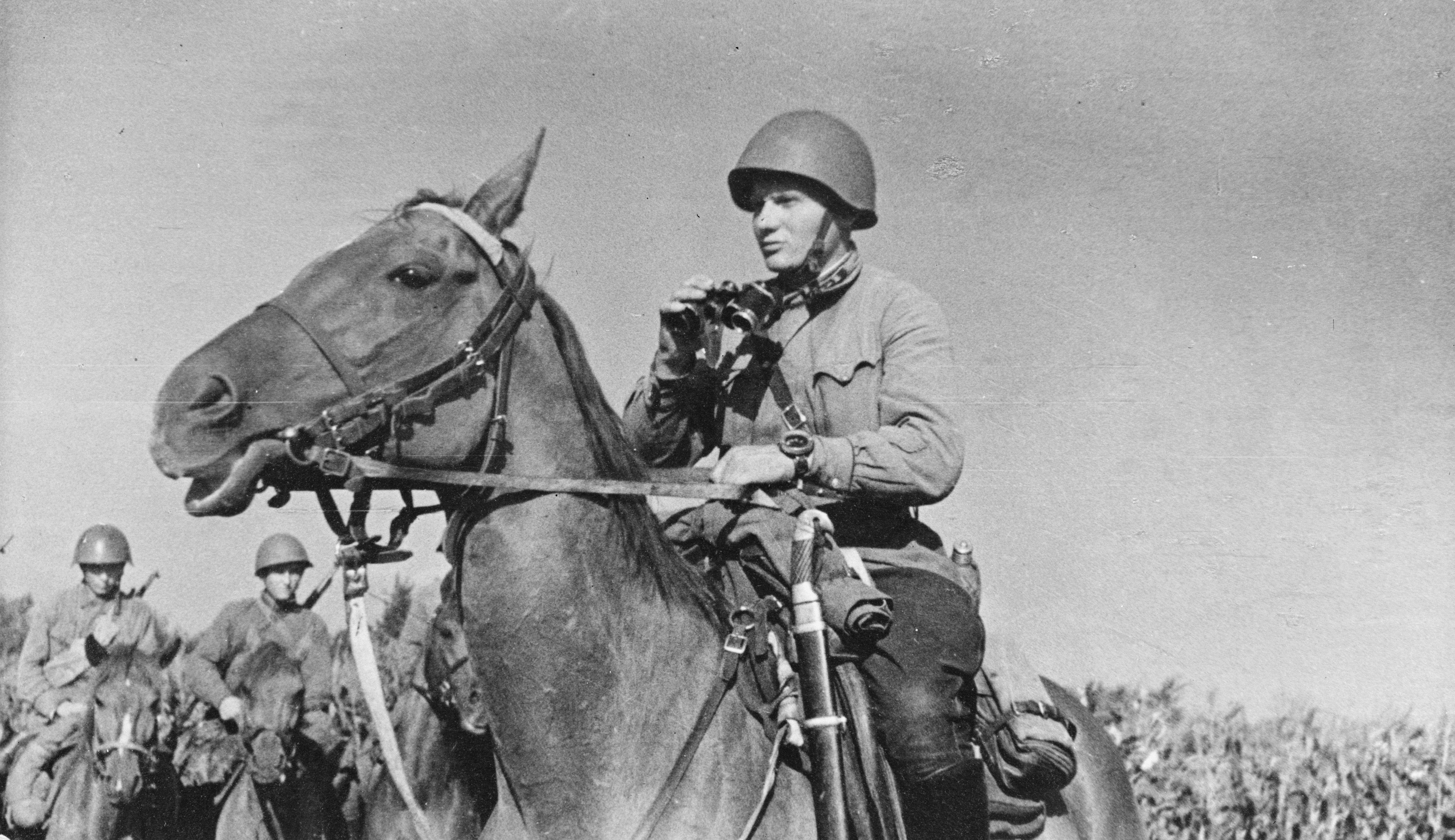Soviet cavalry ready for action. Note the lieutenant's ...