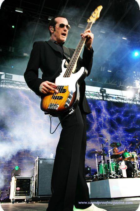 Robert DeLeo - STP | A Guitar Player in 2019 | Guitar ...