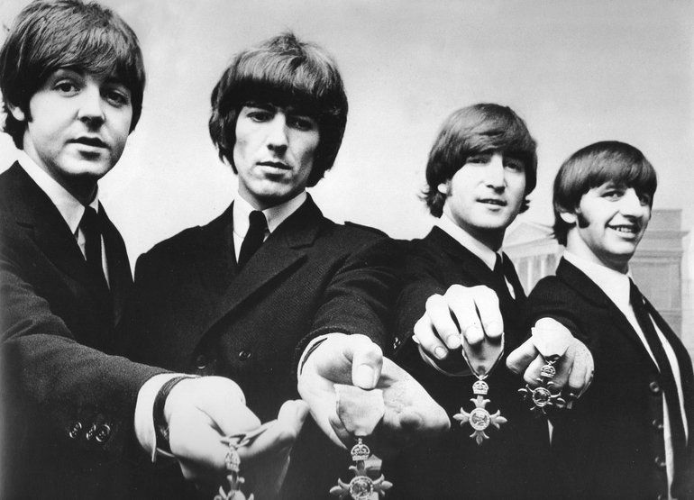 Beatles with MBE-medals | Ringo starr, Beatles y Género ...