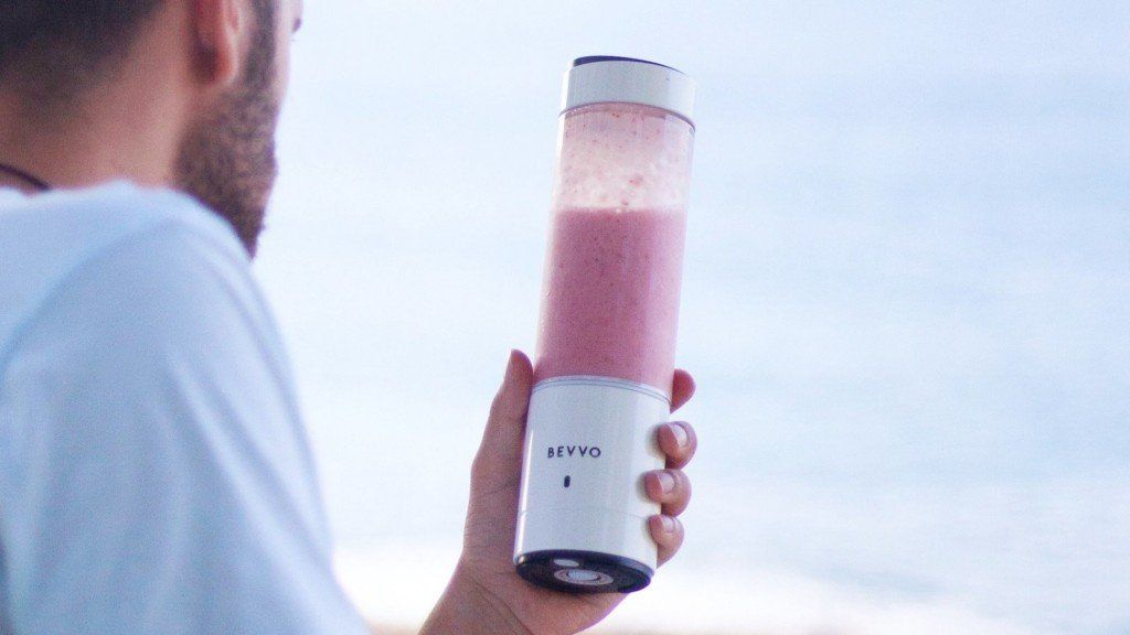 BEVVO Portable Blender Compact Smoothie Maker creates a ...