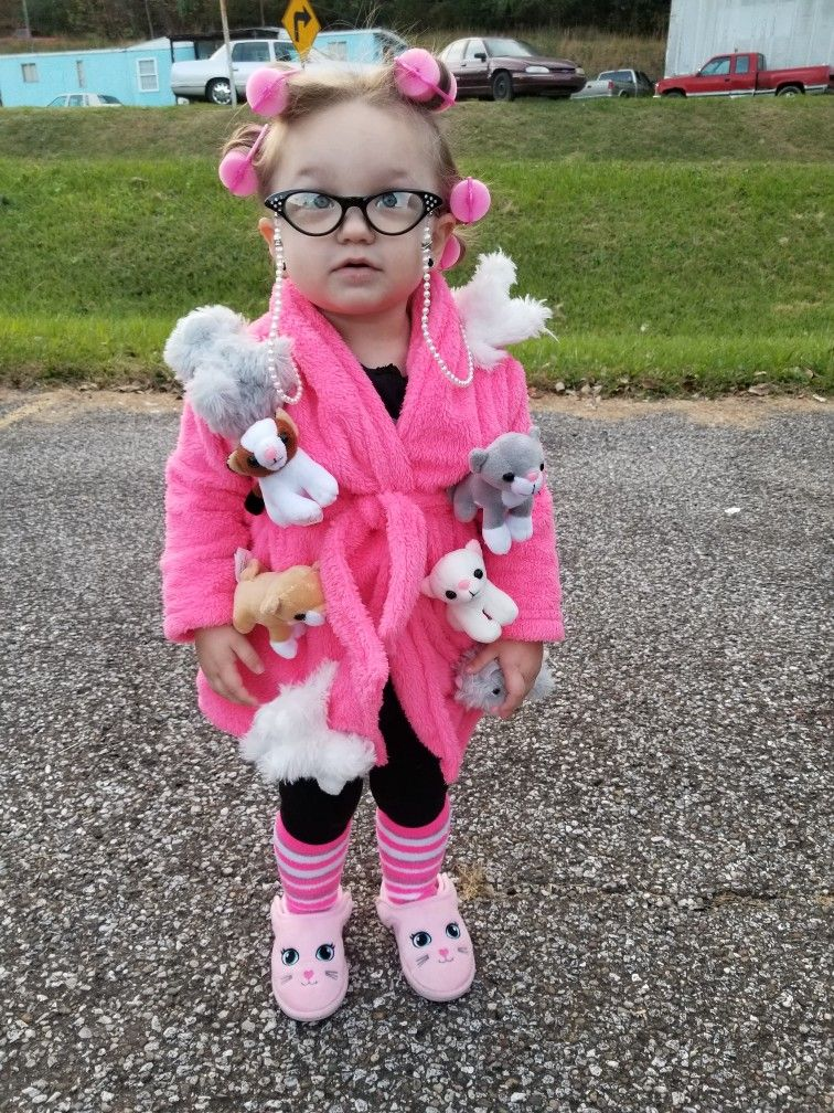 Crazy Cat lady!!! The best and easiest Halloween costume I have ever done!!! | Easy halloween ...