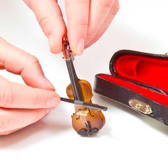 Worlds smallest violin : twosetviolin