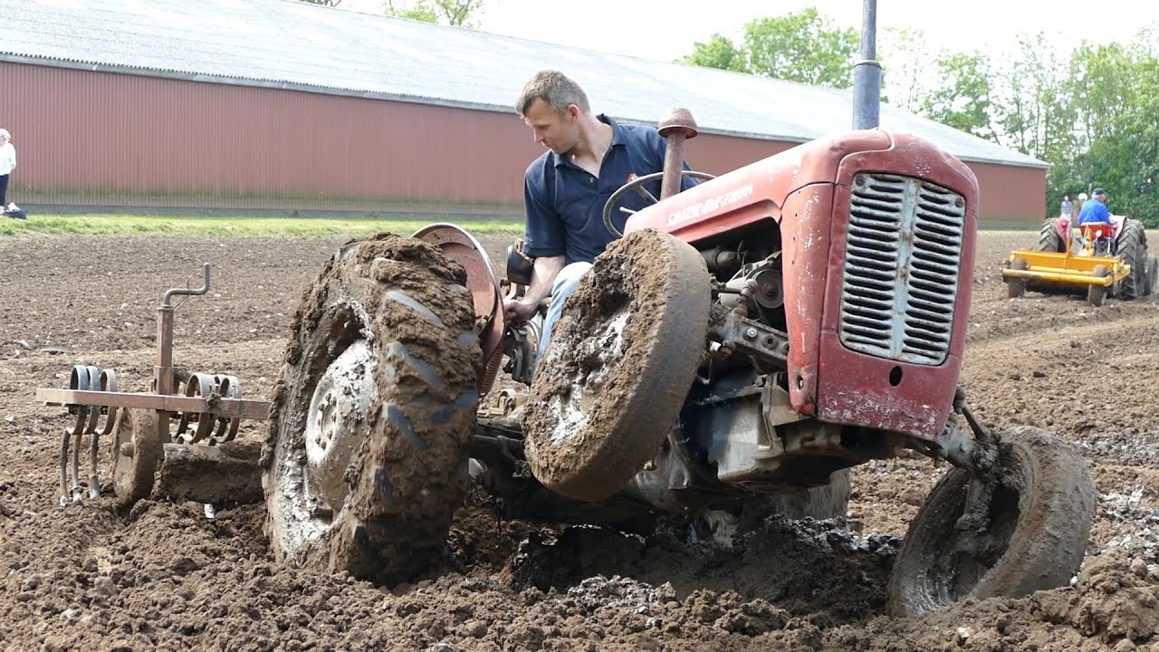 Massey Ferguson 35 Struggles To Fill Up Waterhole ...