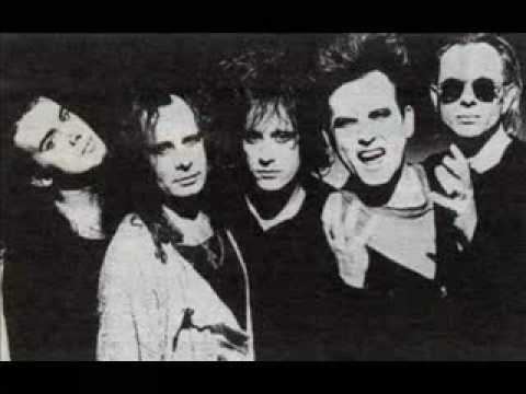 The Cure - Tape (Intro) 1992 - YouTube