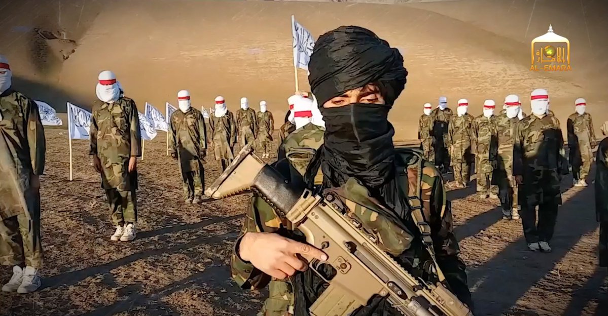 Taliban seen with SCAR rifle commonly carried by American ...
