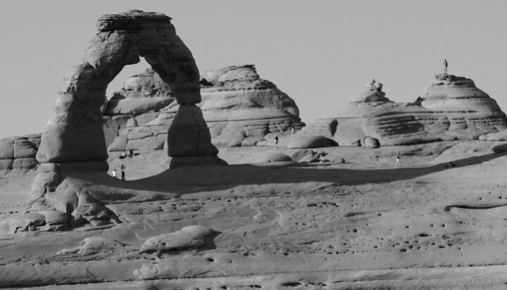 Moab: Arches Hiking and Cataract Canyon Rafting | Campfires & Concierges