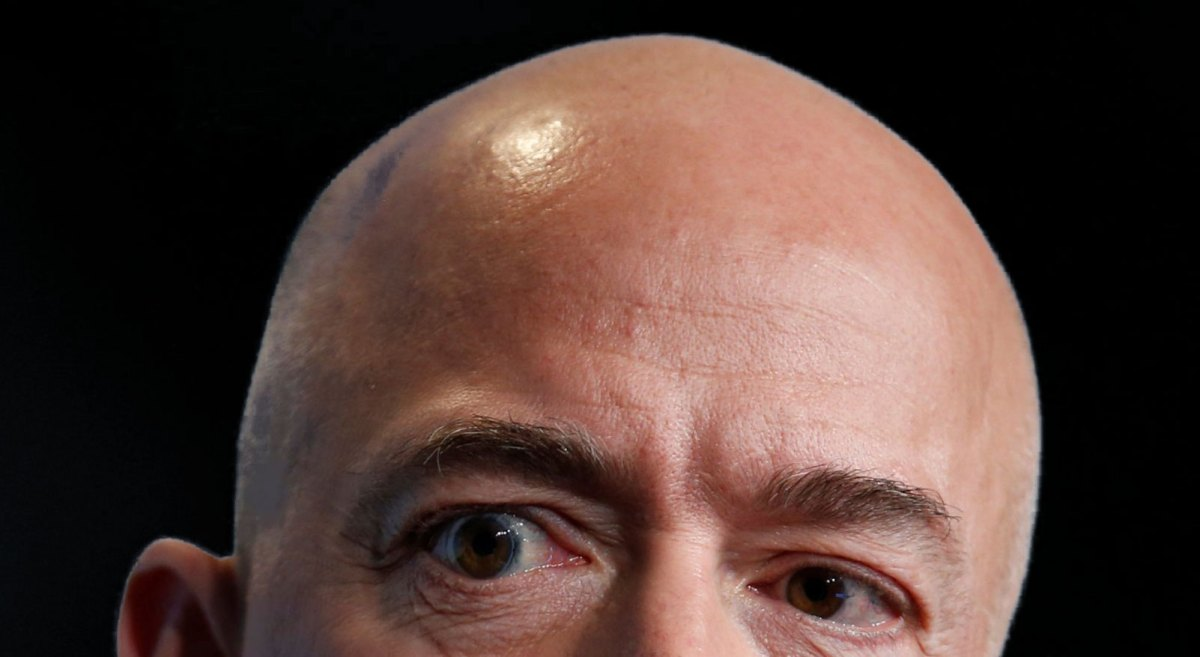 Bezos says 'the country is in trouble' if big tech turns its back on the Pentagon: 'We are the good guys'…