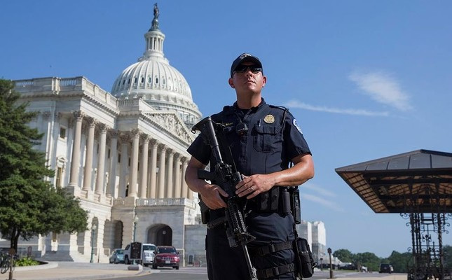 Lockdown at US Capitol lifted, two arrested - Daily Sabah