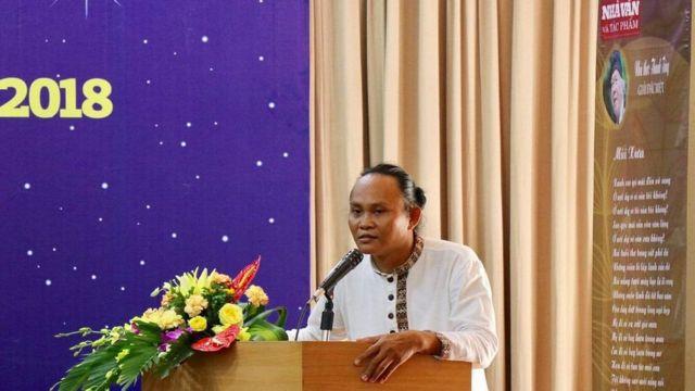 VN: Nhà thơ người Chăm Đồng Chuông Tử 'mất tích'? - BBC News Tiếng Việt