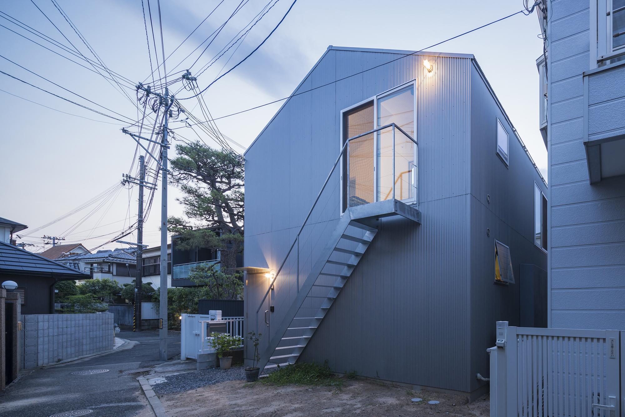 Gallery of House in Tsukimiyama / Tato Architects - 14