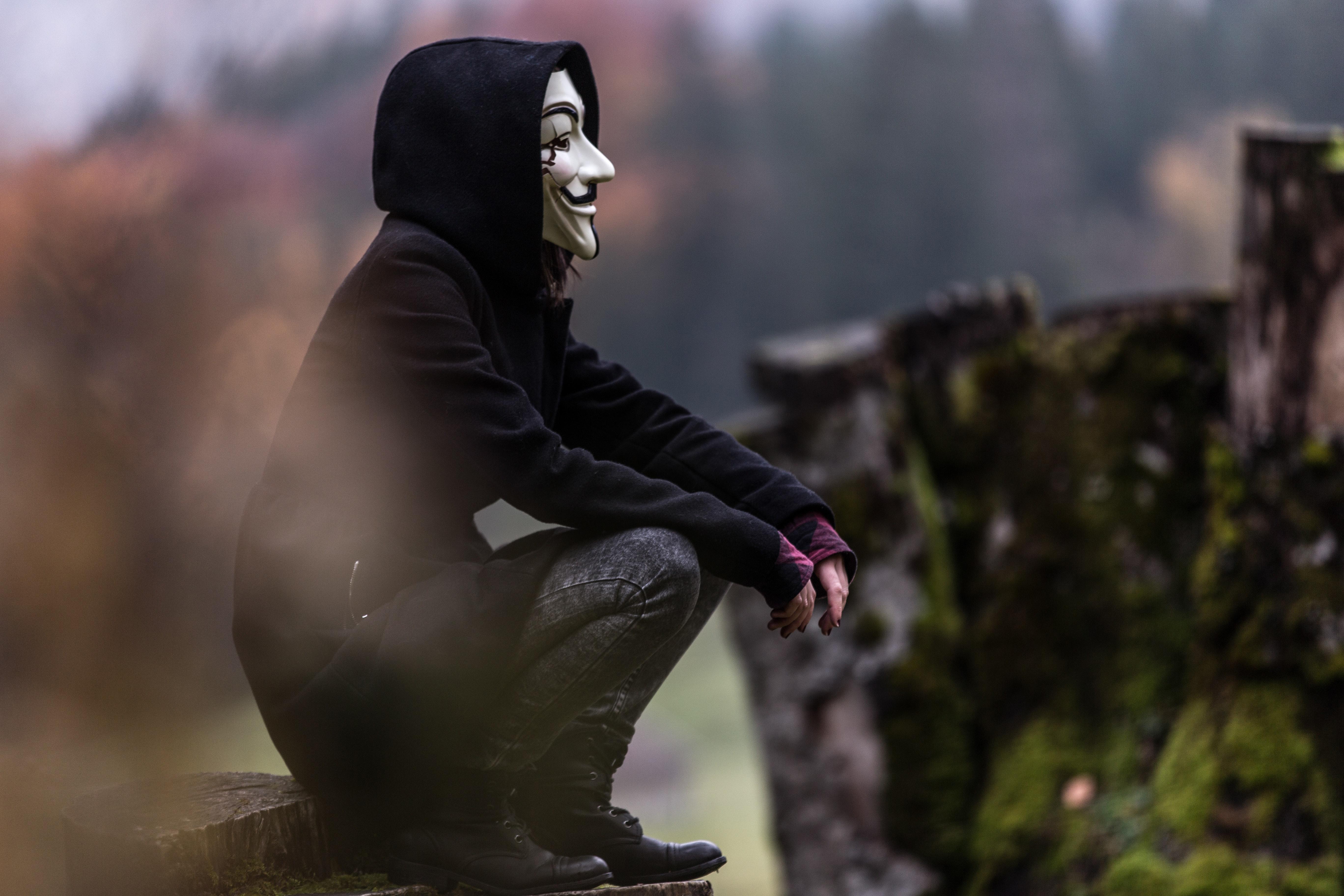 https://external-content.duckduckgo.com/iu/?u=https%3A%2F%2Fimages.hdqwalls.com%2Fwallpapers%2Fanonymous-mask-guy-id.jpg&f=1&nofb=1