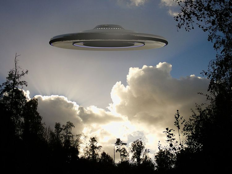 US Navy drafting new guidelines for reporting UFOs ...