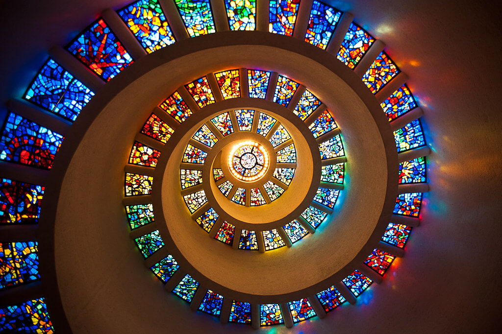 10 of the World's Most Beautiful Stained-Glass Windows ...