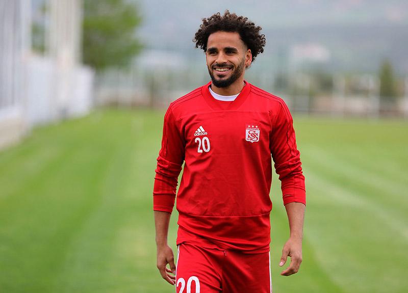 Beşiktaş Douglas Kararını Açıkladı.. Yeni Transfer Için Kolları Sıvadı.