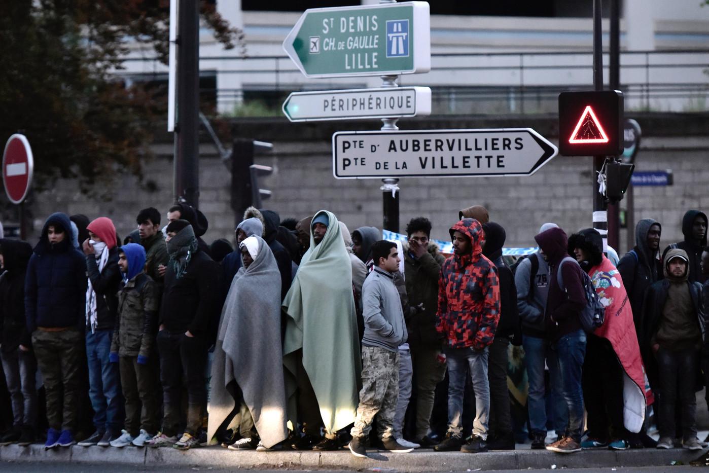 À Paris, 1 600 migrants à nouveau évacués
