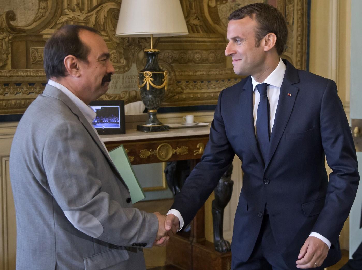Code du travail: Macron consulte pour préparer une réforme ...