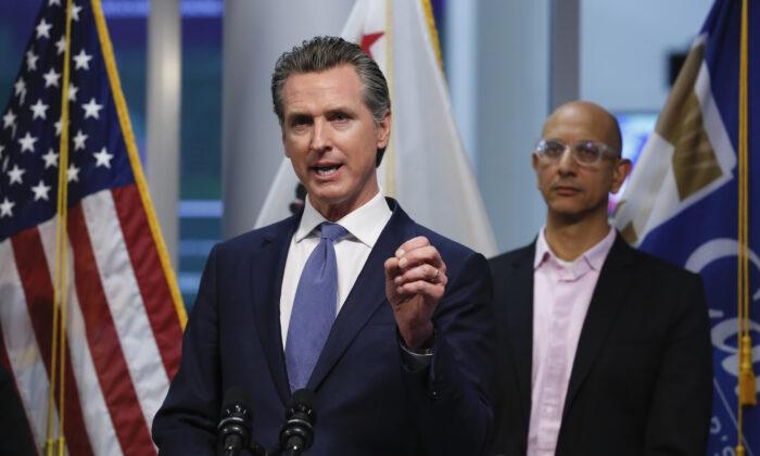 California Gov. Gavin Newsom announces statewide coronavirus 'stay at home' order…