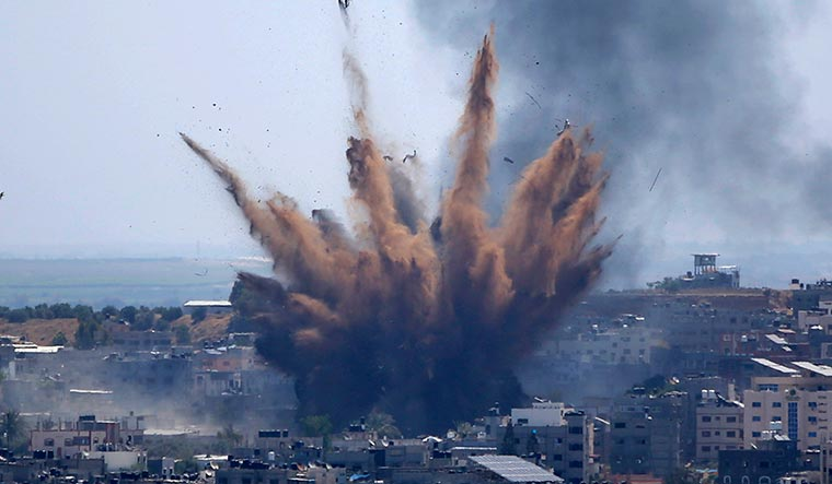 Israel prepares for Gaza 'ground offensive' as rocket attacks continue ...
