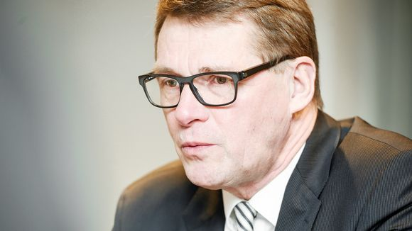 Presidential candidate Vanhanen pulls out of debate after ...