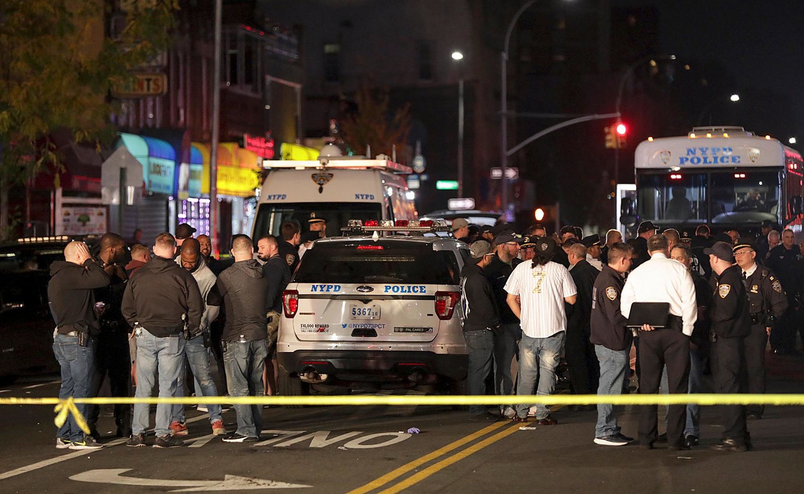 Shootings surge in New York City after plainclothes police unit disbands in effort to reform NYPD…